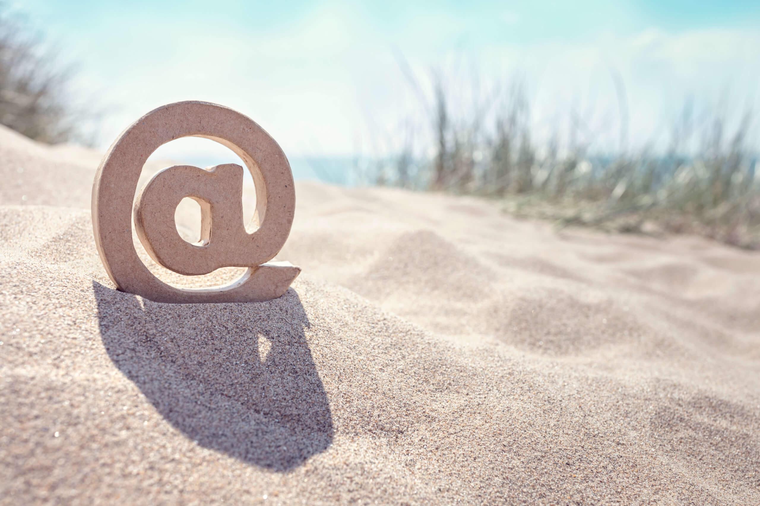 E mail symbol
